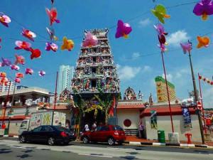 シンガポール最大の寺院「スリ・マリアマン寺院」