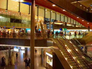 チューリッヒ空港の駅
