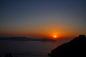 エーゲ海に沈む夕陽