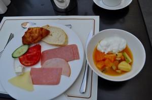 最上階のレストランで朝食