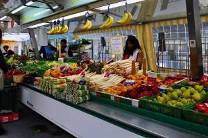 ベーレン広場のマーケット