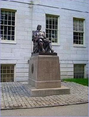 John Harvard(ジョン・ハーバード)像